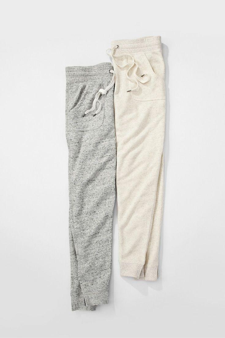 Vêtements de détente légers en tissus doux. #ModeABasPrix #PantalonsDeJogging #VêtementsDeDétente