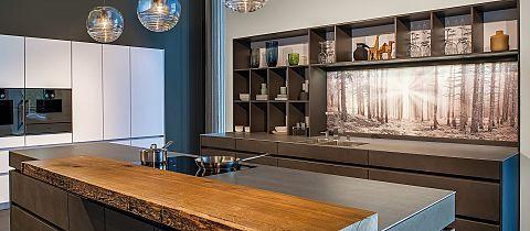 Glazen nis achterwanden › Design elements › Interieuruitvoering › Keuken | LEICHT – actueel keukendesign voor modern wonen
