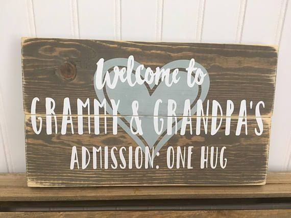 Grandpa and Grandma small pallet sign with a heart and