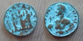 """el color """"cardenillo"""" (en ingles """"verdigris"""") es causado por la formacion de acetatos y carbonatos de cobre en las cosas de bronce"""
