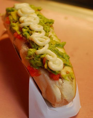 The Italiano Despite the name,hotdogs don't get more Chilean than this. Smothered in chopped tomato, mashed avocado...