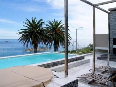 PARADISE AT THE WATERFRONT OF BAKOVEN/CAMPS BAY