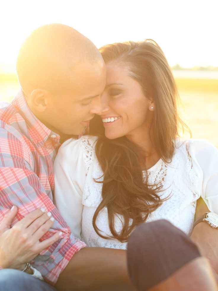 Sunny and bright outdoor engagement shot.  Photo by Aaron Snow Photography.  www.wedsociety.com  #wedding #engaged