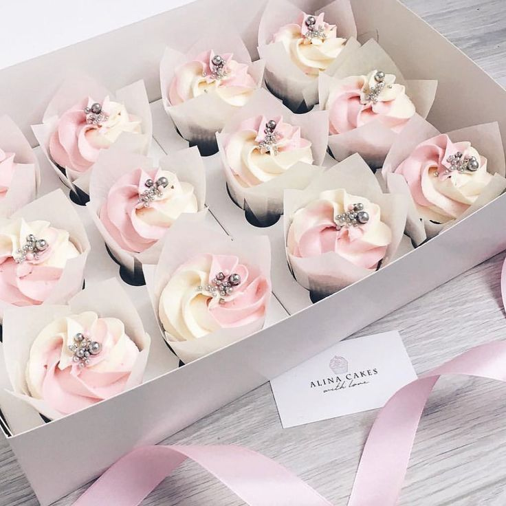 Repost @alya_small #cake #cakes #cupcake #cupcakes #cakeart #cakeporn #cakelover #cakedesign #cakeoftheday #cakestagram #торт #торты #тортик #тортспб #тортмосква #тортназаказмосква #тортнаденьрождения #тортназаказ #тортыназаказ #капкейки #капкейкиназаказ #сладости #свадебныйторт #детскийторт