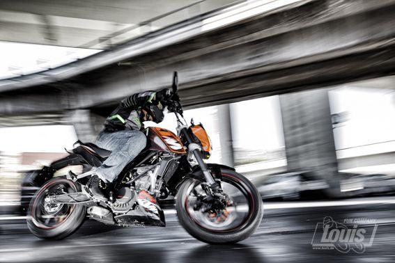 Mit der KTM durch die Stadt #Motorrad #Motorcycle #Motorbike #louis #detlevlouis #louismotorrad #detlev #louis