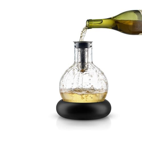 I need one of these wine coolers in my new kitchen gadget draw! Eva Solo - Cool Wine Decanter