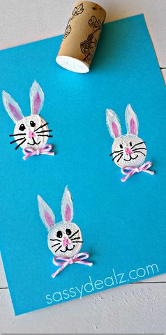 Bunny Craft Using a Wine Cork for a Stamp #Easter craft for kids