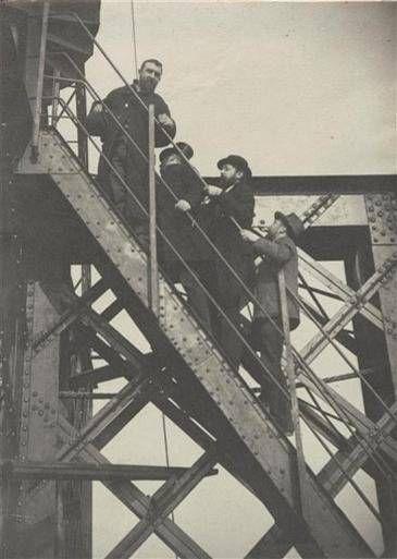 Les visites de chantiers en 1889 – ©ADAGP chantier-eiffel