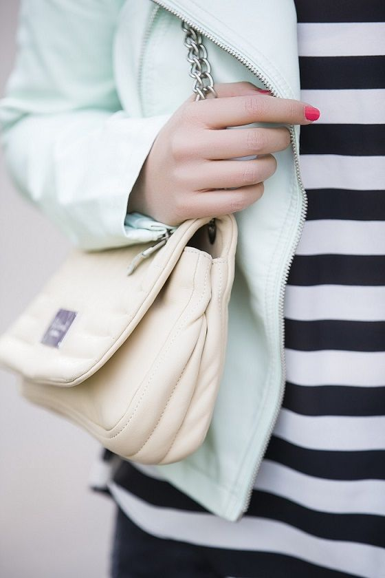 *Mint & print - styled by Zipy* #reserved #leatherjacket #maxmara #quiltedbag #stripedtop #ff #mac #zipy #fashionblogger #outfit