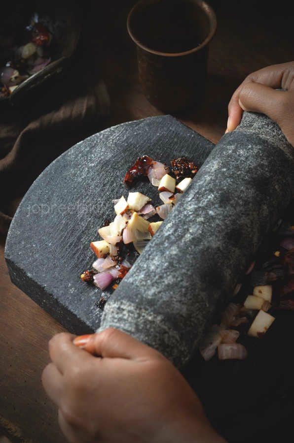 Sun-dried Seasoning Balls Chutney Preparation