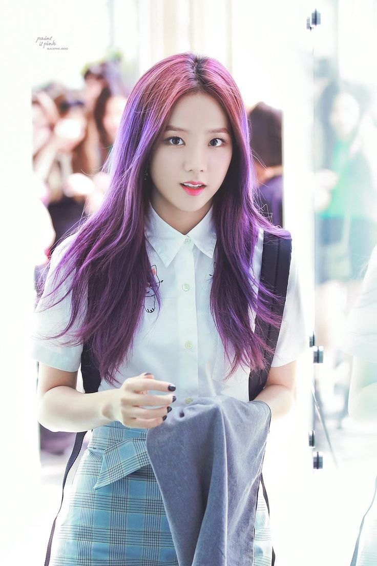 Jisoo! Your hair is AMAZING AND BEAUTIFUL!