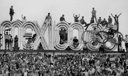 En el estadio de Ciudad Universitaria se inauguraban los Juegos Olímpicos, el 12 de octubre de 1968.