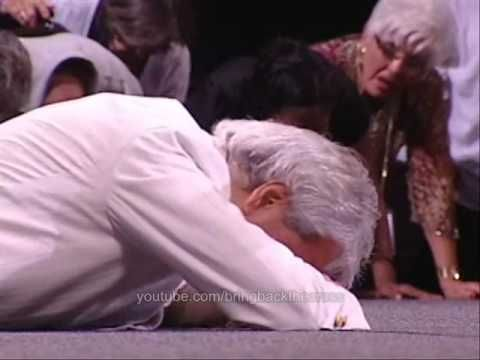 Benny Hinn - Epic Event in Philadelphia (+playlist) You have to watch the whole thing in order to hear a choir of angels singing. So beautiful! What an amazing G-d we serve!