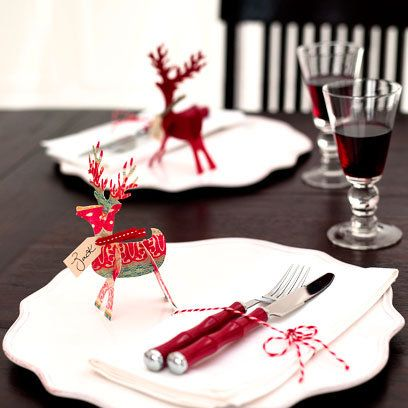 This cute little reindeers are easy to make and perfect for table settings.