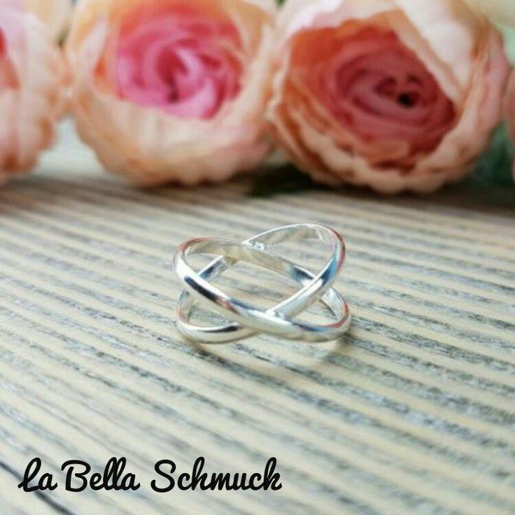 Infinity ring  http://www.labella-schmuck.ch/produkt-kategorie/ringe/