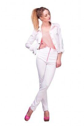 Узкие белые брюки с отворотом и розовой молнией
