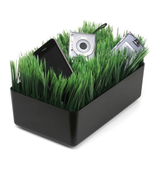 The Kikkerland Grass Charging Station Is My Favorite. Itu0027s Proof That  Organization Can Be Fun!