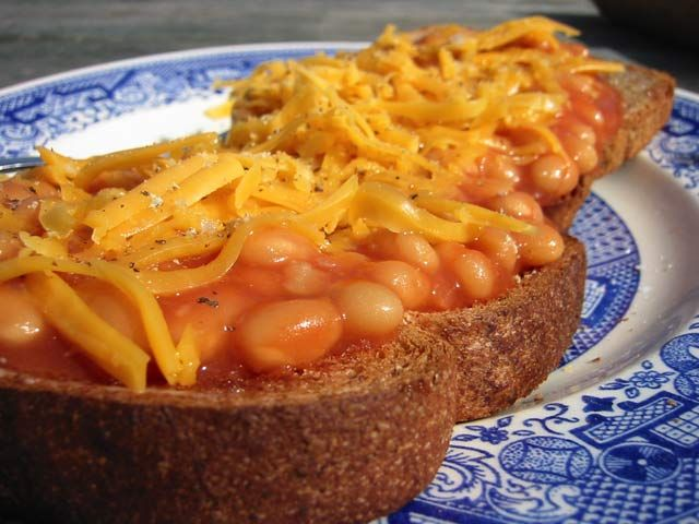 baked beans on toast. I don't know if its a pregnancy thing or what but this looks insanely delicious right now!