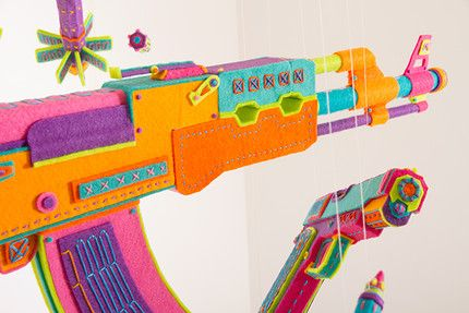Zim & Zou - Douceur (personal project)  Tiphaine-illustration #peaceandlove #artcraft #felt #guns
