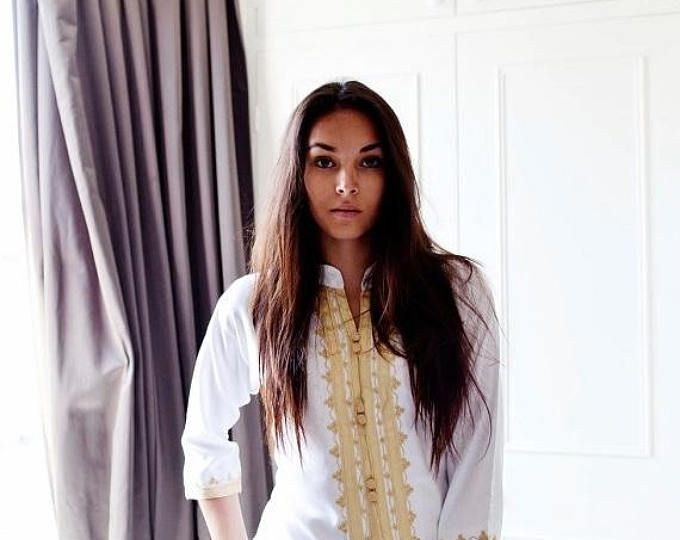 25% korting op dag van de arbeid SALE zomer boho | Handgemaakte wit & Gouden Marokkaanse tuniek-perfect voor giften van de verjaardag, strand, resort dragen, huwelijksreis geschenken, b