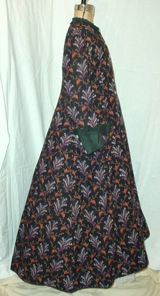 1870's wrapper: 1870 S Wrappers, 1870 Fashion, Fashion 1870S Multicolored
