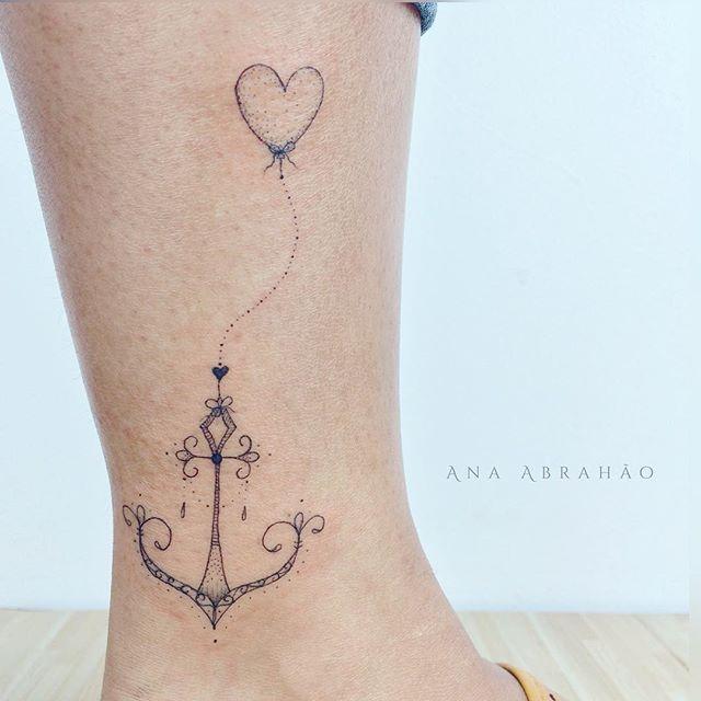 © Ana Abrahão (@abrahaoana) on Instagram: A N C O R E. A M O R. ❤️ Neste domingo lindo, ancore tudo aquilo que te faz feliz! Amor e paz neste dia de sol!! ☀️ #ancora #amor #tatouage #tatuagem #fineline #ink #astattooistas #domingo #brasilia