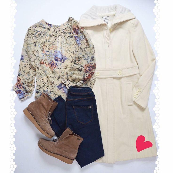 ❄EL ABRIGO: la prenda fundamental del invierno. Te protege del frío. Lo puedes combinar con minifaldas, blusas o vestidos, ya que se encarga de retener el calor de tu cuerpo. Elige el modelo y color que se adapte mejor a tu estilo❄️ MANGO Abrigo Largo Crudo (M) TOPSHOP Blusa Escote Espalda (S) MANGO Jeggins (34/36) HEYAS Flat Suede Booties(37) ⚠️www.bazarvintage.cl #BazarVintageCL #ReuseFashion #VintageBag #digitalart #reutilizar #closet #online #marketing #branding #vende #compra #fashion…