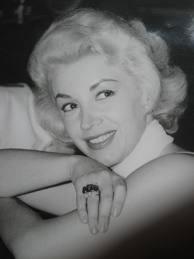 """¿Reconocen a esta chica? Fue la voz de Blanca Nieves (a la que Disney le robó, pues JAMÁS le pagó por su trabajo) y una de las """"exóticas"""" o rumberas: Evangelina Elizondo"""