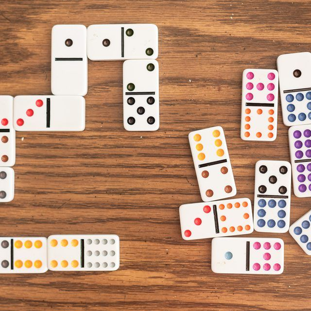 How to Play Dominoes With Kids