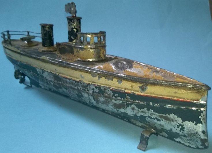 VIDEO Carette clockwork torpedo boat 10 inch works bing