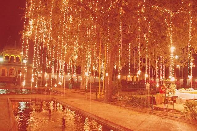 Indian Wedding: Outdoor Wedding, Hanging Lights, Wedding Indian Decor, Gardens Theme, Outdoor Decor, Wedding Lights, Lights Ideas, Indian Wedding, Outside Lights