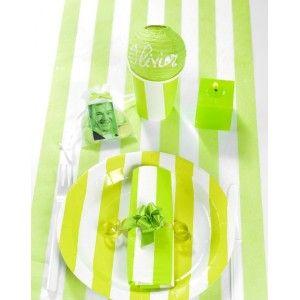 Chemin de table intissé rayé vert anis et blanc, art de table, table festive, baptême, anniversaire, mariage, fêtes.