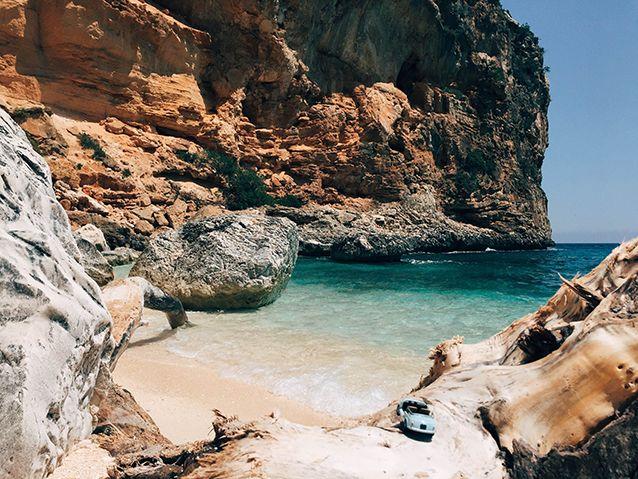"""Le cale e le spiagge più belle della #Sardegna viste attraverso i """"parcheggi"""" di una mini #Fiat500"""