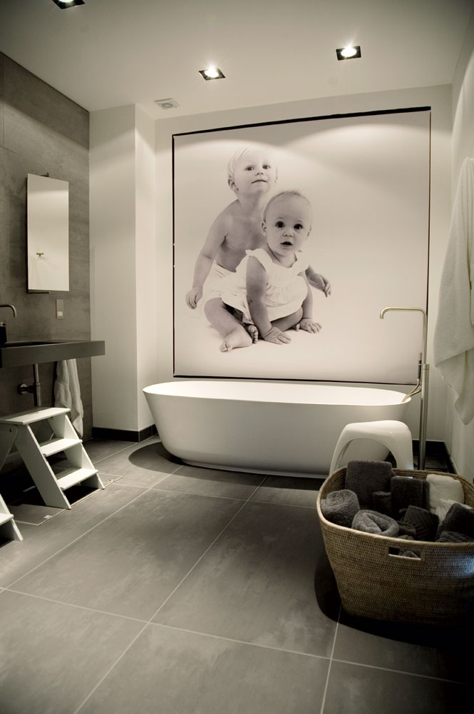 LOVE This Kids Bathroom.ideas For My Home ( Girls Bath, Boy Bath) Clean,  Muted Color, Lighting, Wallpaper   Would Be Fun With Mosaic Tile On Tub Wall