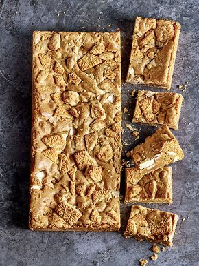 Ever thought of adding custard creams to your blondie mixture? It's genius! Have a go this weekend and let us know how you get on.