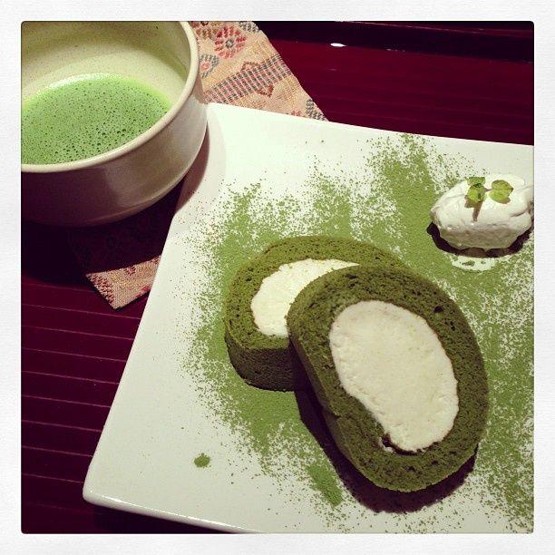 roll cake green tea | Japanese green tea + cream roll cake