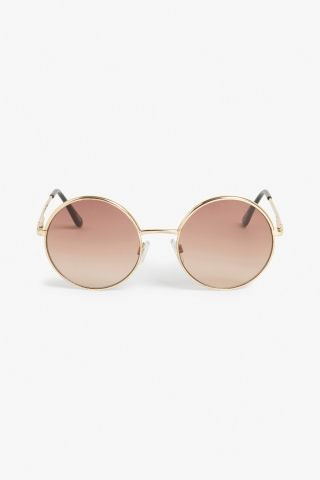 Monki 70s style sunglasses in Gold