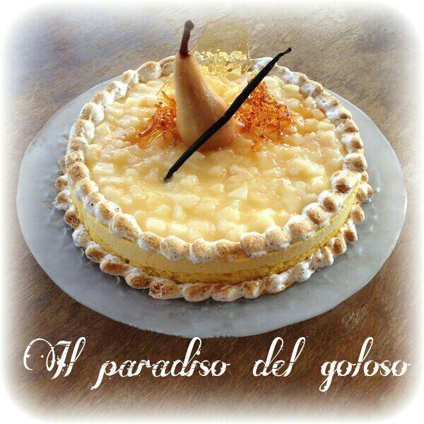 giro torta pan di spagna, biscotto alle nocciole bio, crema chantilly ricotta stracchino vaniglia, bagna al distillato di pera e vaniglia, composta di pere. decorato con una pera sciroppata alla vaniglia, caramello artistico e una meringa svizzera alle nocciole #CUPCAKE #halloween #solocosebuone #bakery #torte #cake #yummy #sugar art #patisserie #desserts #sweettooth #chocolate #eat #yum #delicious #tasty #hungry #yum #icecream #foodpics #TagsForLike