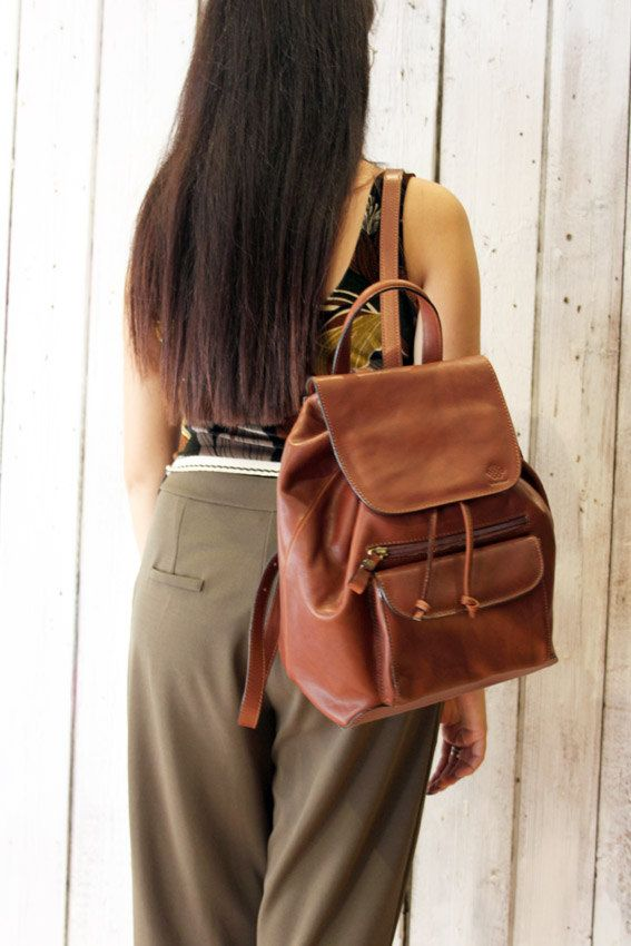 New Brown Handmade Italian Leather backpack di LaSellerieLimited su Etsy