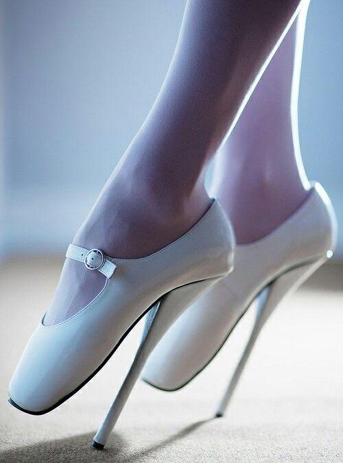 Pointe Heels | SHOES | Schuhe, Hohe schuhe, Stilettos