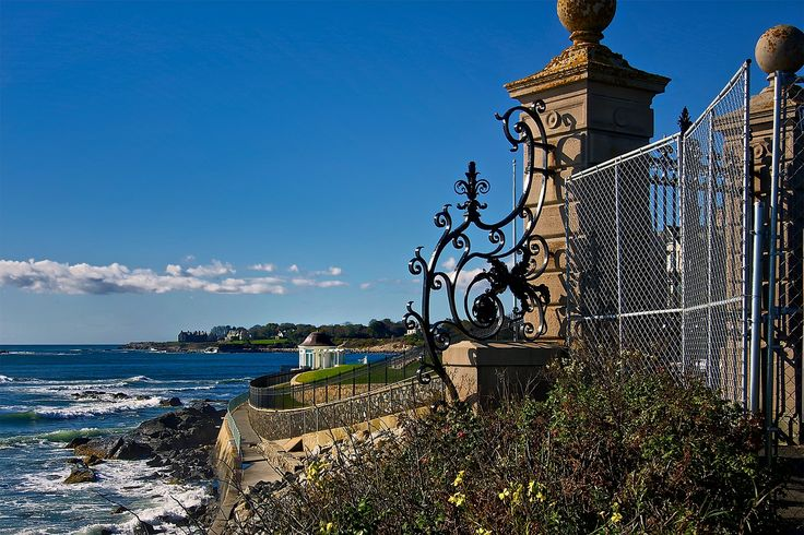 Trip Back In Time At The Gilded Age Mansions In Newport! #travel #usa @trivago #rhodeisland #newport