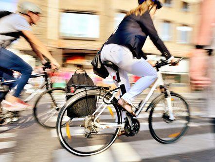 Shape Up #15 Ποδηλατάδα στα πεύκα …Τρίτη σήμερα και έχουμε κανονίσει με μια φίλη να περάσει από το σπίτι-με το ποδήλατό της. Άρα, δύσκολα θα κάτσουμε μέσα. (http://gynaikaeveryday.gr/?page=calendar&day=2014-12-09)