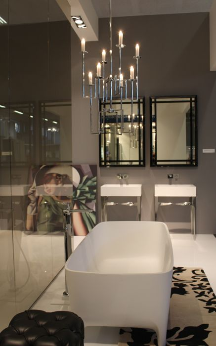 #washbasins in duralight. In the background a painting of Tamara de Lempiska