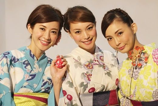 大人っぽい浴衣の着つけ&花火大会スケジュール #浴衣 #yukata  #kimono #AneCan #花火 #押切もえ #蛯原友里 #高垣麗子 #Japan