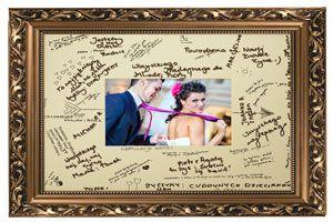 Złota rama z miejscem na podpisy : księga gości na wesele