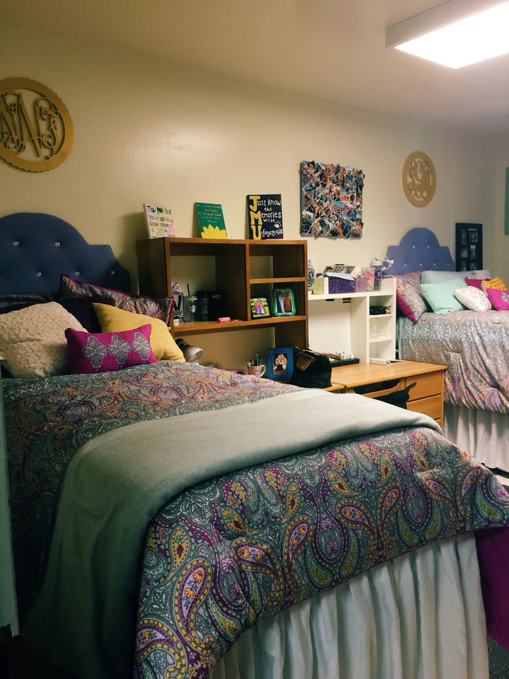 Dorm room in Gifford Hall at James Madison University!