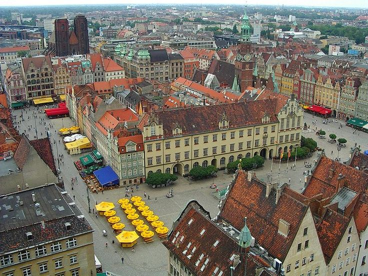 Market Square, Wroclaw , Poland : http://www.carrentalwroclawairport.com