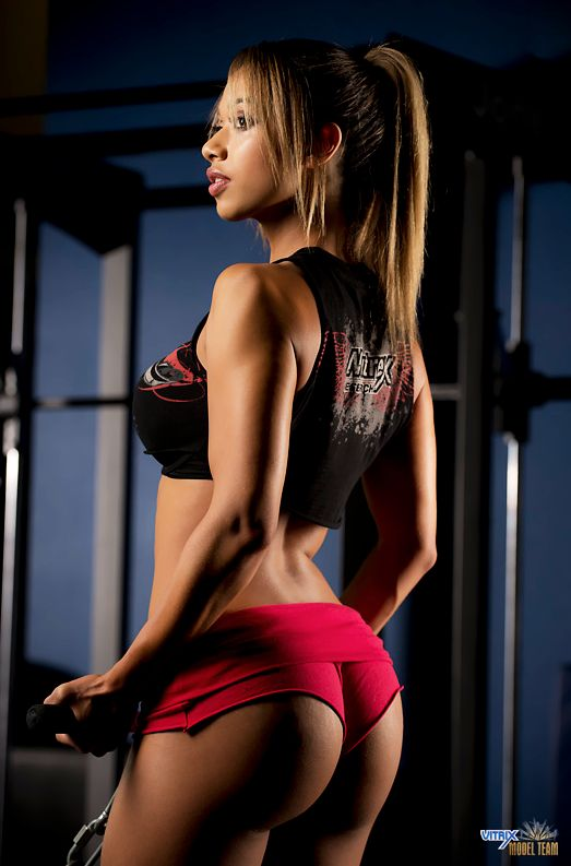 day-sexy-girl-working-out-mezzo-forte-sex