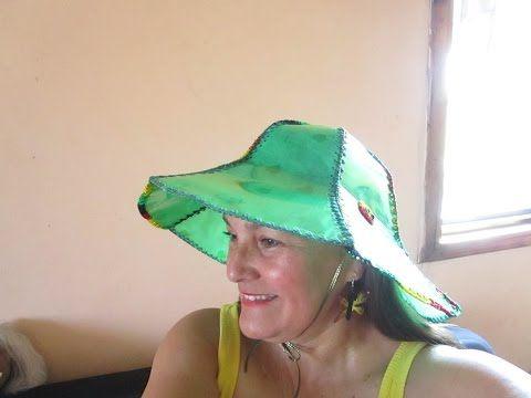 (2746) COMO HACER UN SOMBRERO DE BOTELLA PET    Luz Mireya Martinez - YouTube