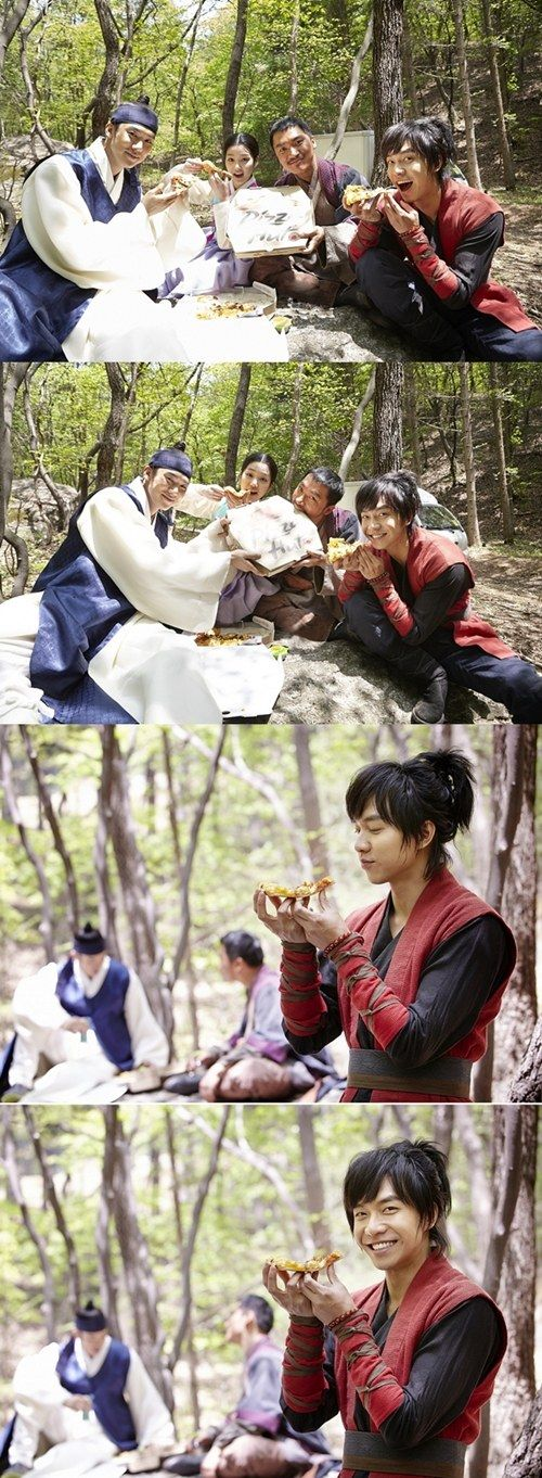 Lee Seung Gi throws a pizza party for cast %26 staff of Book of the House of Gu